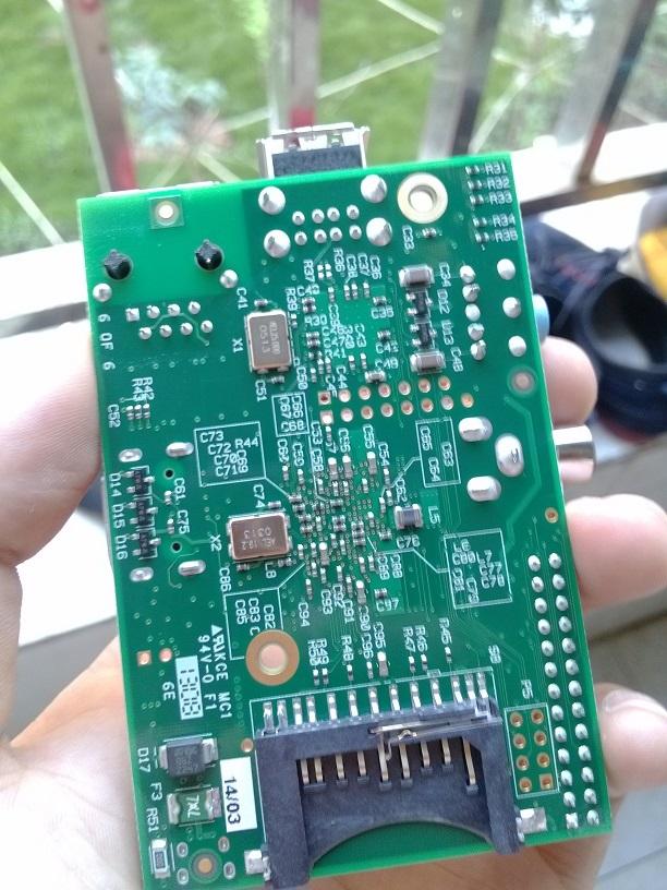 pi(树莓派)电路板背面好看